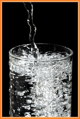 Qué sucede si caliento agua en el microonda