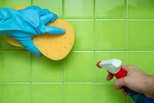 Qué sucede si mezclo detergente y lavandina