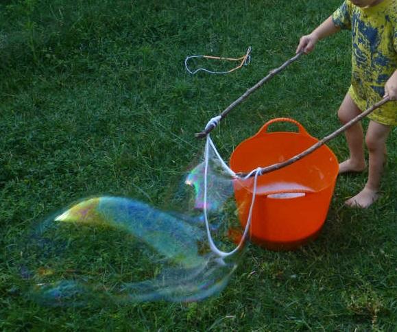 Como hacer burbujas para niños